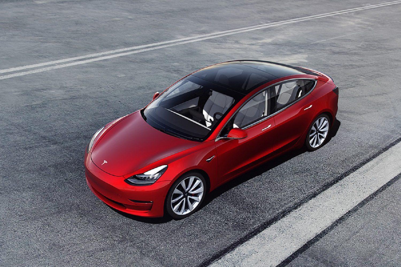 Tesla Model 3 Standard Range Plus - GreenCarGuide.co.uk
