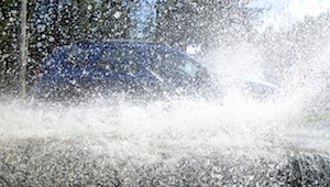 dacia duster water splash
