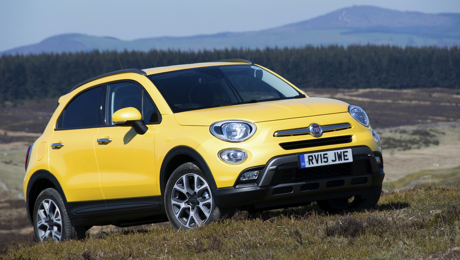 fiat 500x green car review. Black Bedroom Furniture Sets. Home Design Ideas