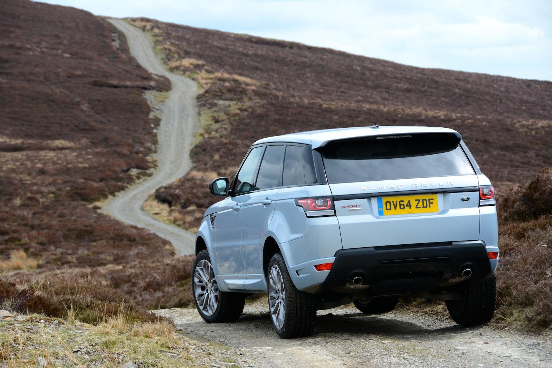 https://www.greencarguide.co.uk/wp-content/uploads/2015/05/Range-Rover-Sport-Hybrid-009-low-res.jpg