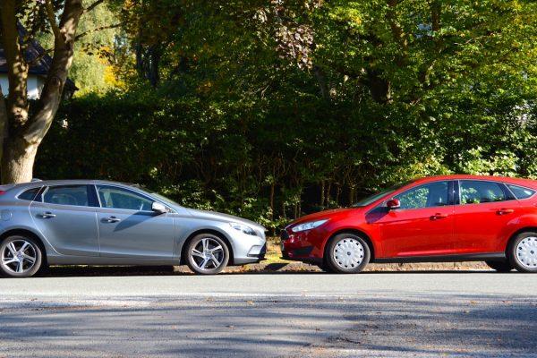 Volvo V40 v Ford Focus emissions