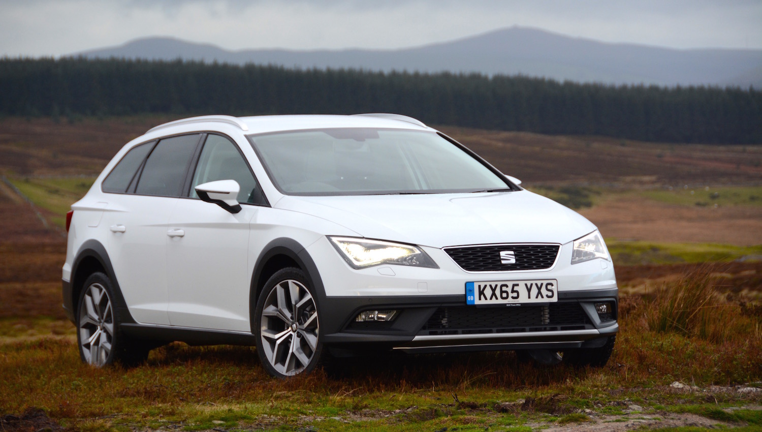 seat leon x perience review. Black Bedroom Furniture Sets. Home Design Ideas