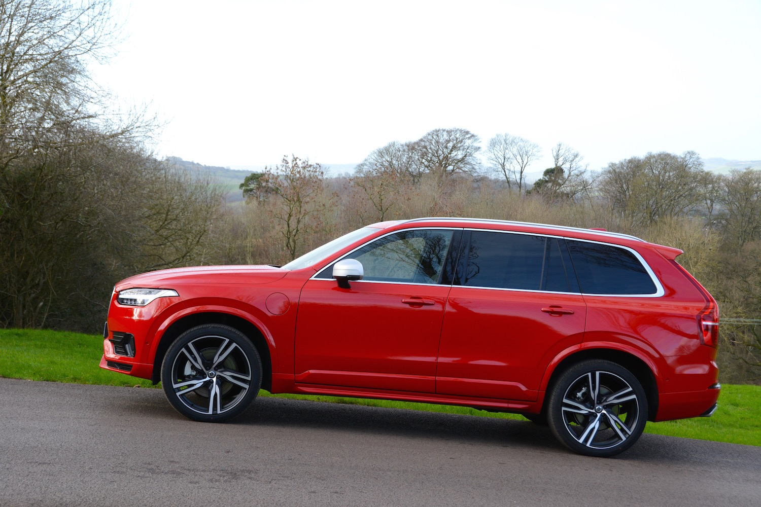Volvo XC90 T8 Twin Engine First Drive - GreenCarGuide.co.uk