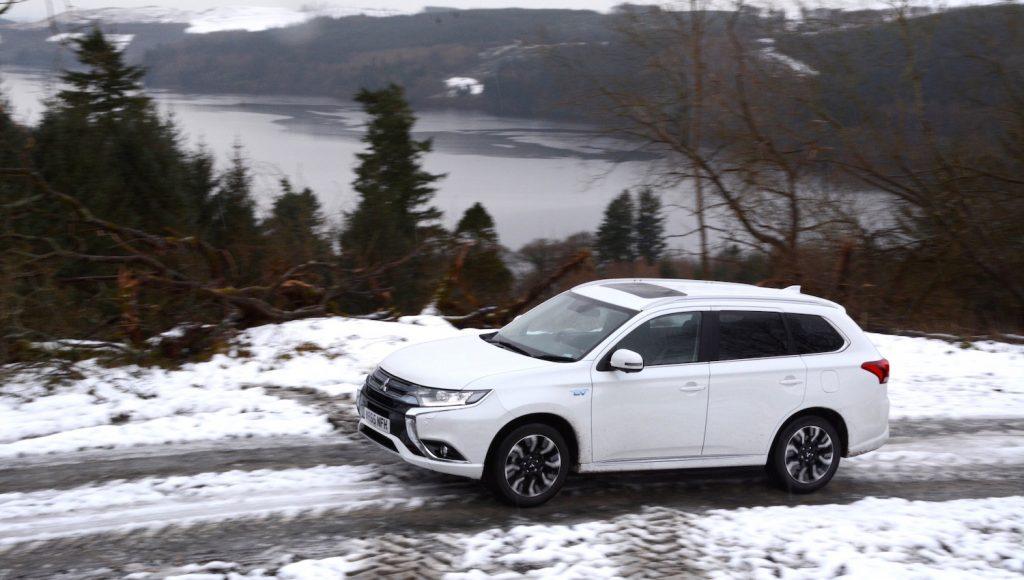 Mitsubishi Outlander PHEV Off-Road