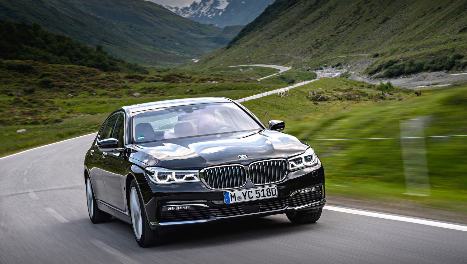 Bmw 7 Series Plug In Hybrids On Sale In Uk Greencarguidecouk