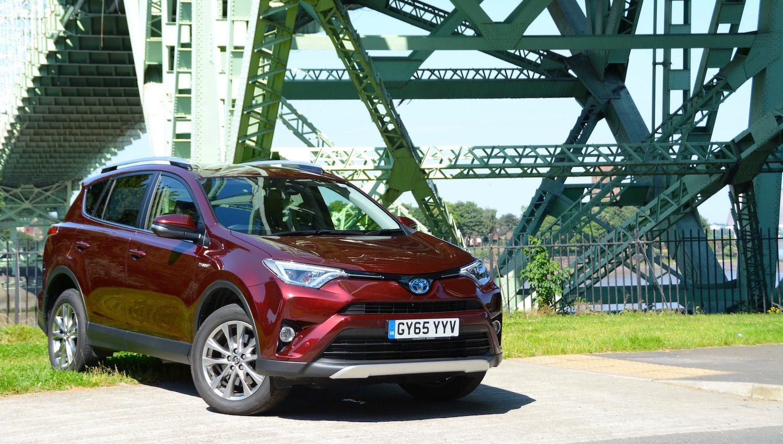 toyota rav4 hybrid review greencarguide co uk toyota rav4 hybrid review