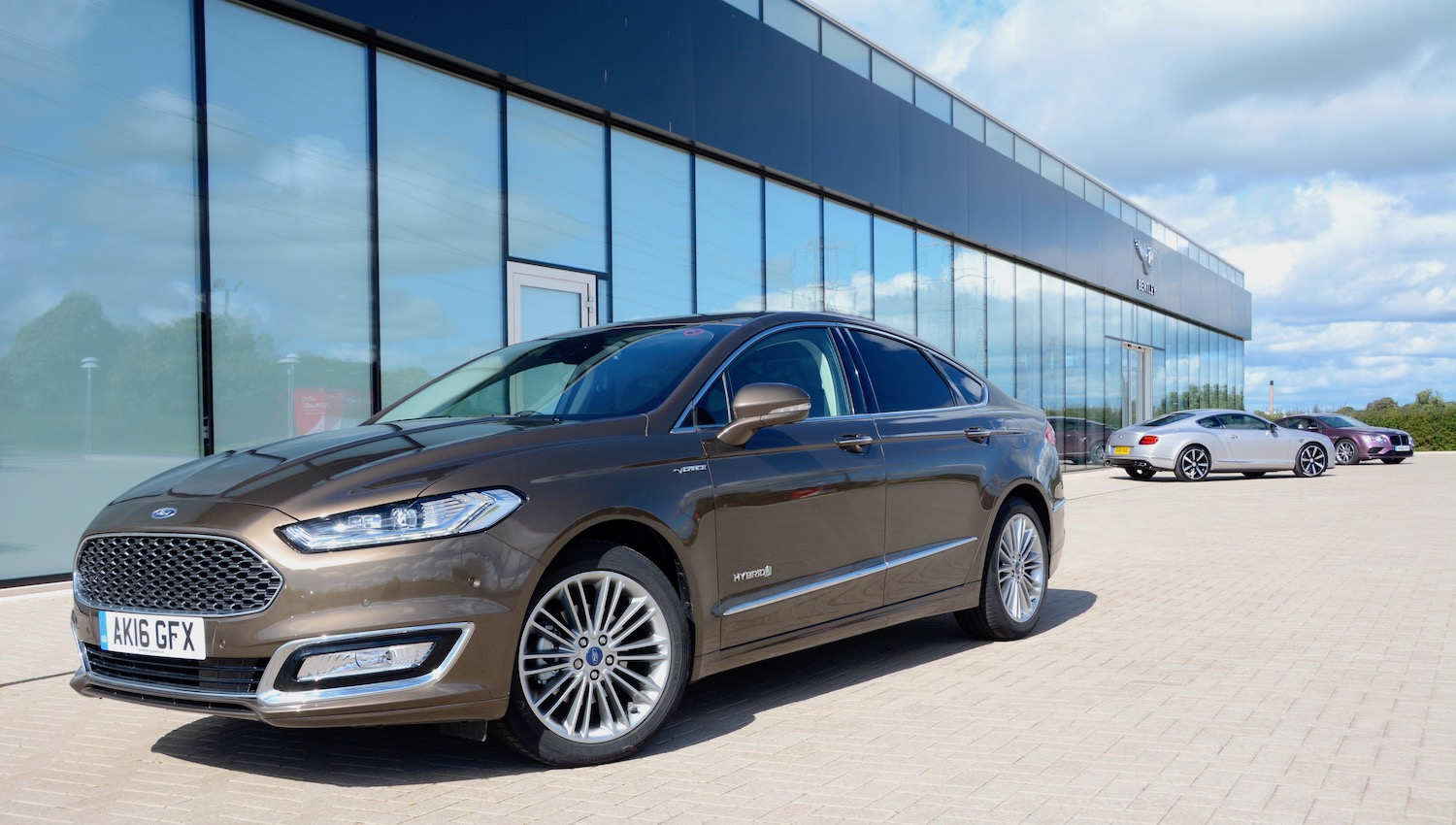 ford mondeo vignale hybrid review. Black Bedroom Furniture Sets. Home Design Ideas