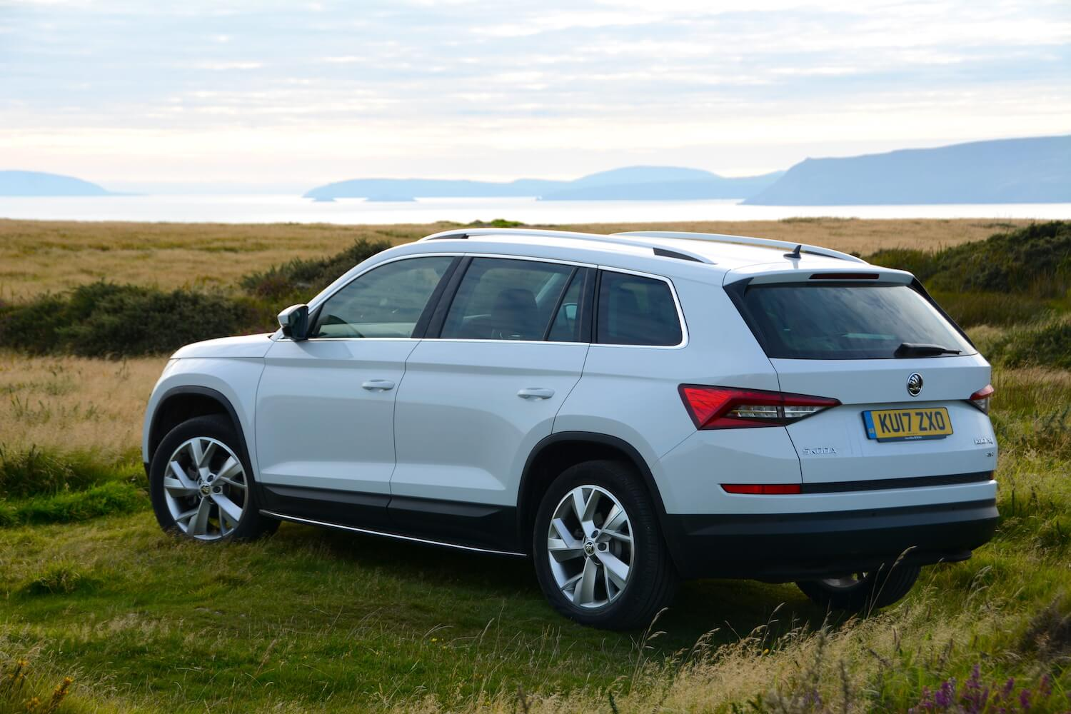 skoda kodiaq review. Black Bedroom Furniture Sets. Home Design Ideas
