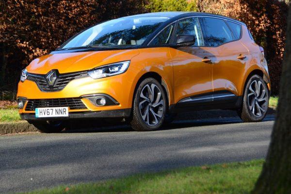 Renault Scenic dCi 110 Hybrid Assist