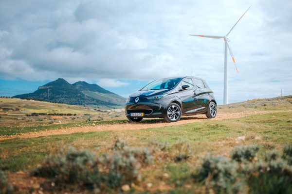 Renault joins up EVs, energy storage, smart charging and V2G