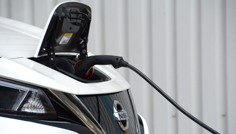 Nissan LEAF charging 2018