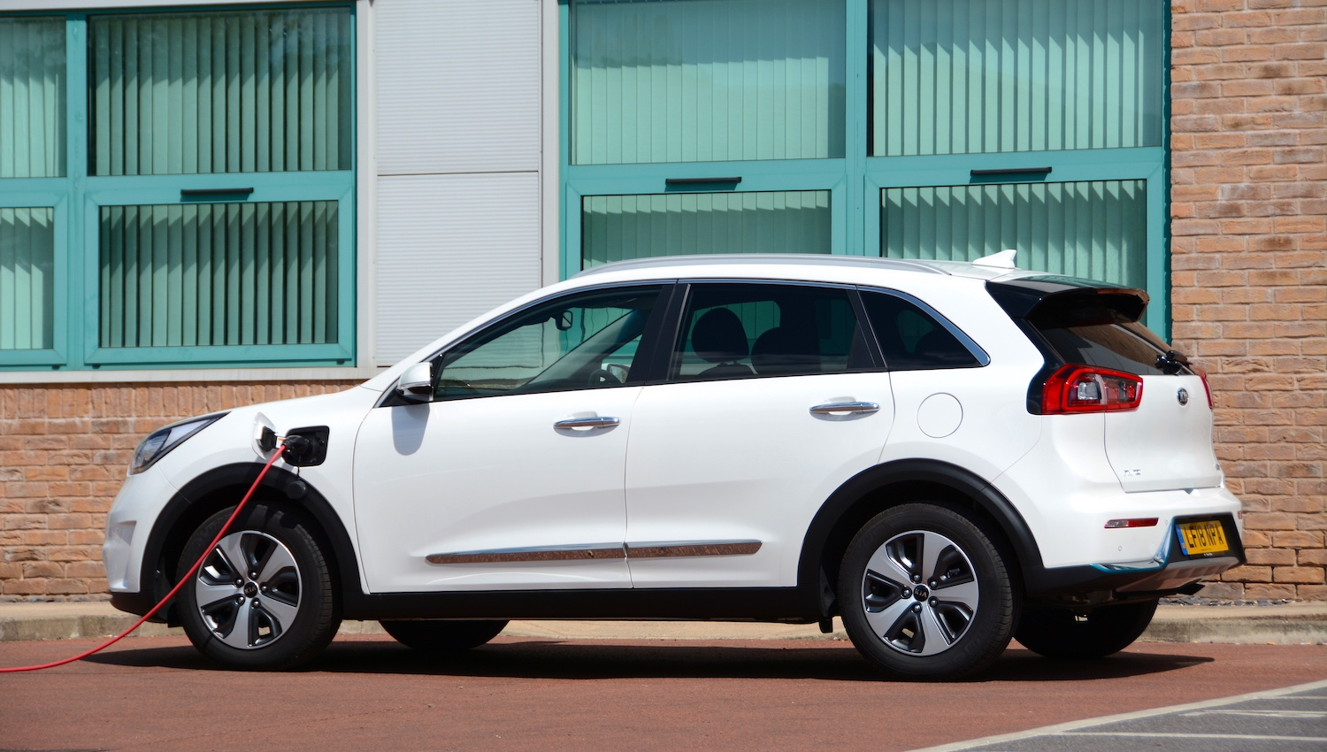 Plug In Hybrid Cars >> Kia Niro Plug-in DCT 6-speed Review - GreenCarGuide.co.uk