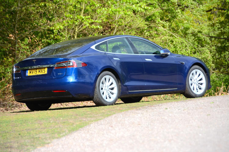 Tesla Model S 100D Review - GreenCarGuide co uk