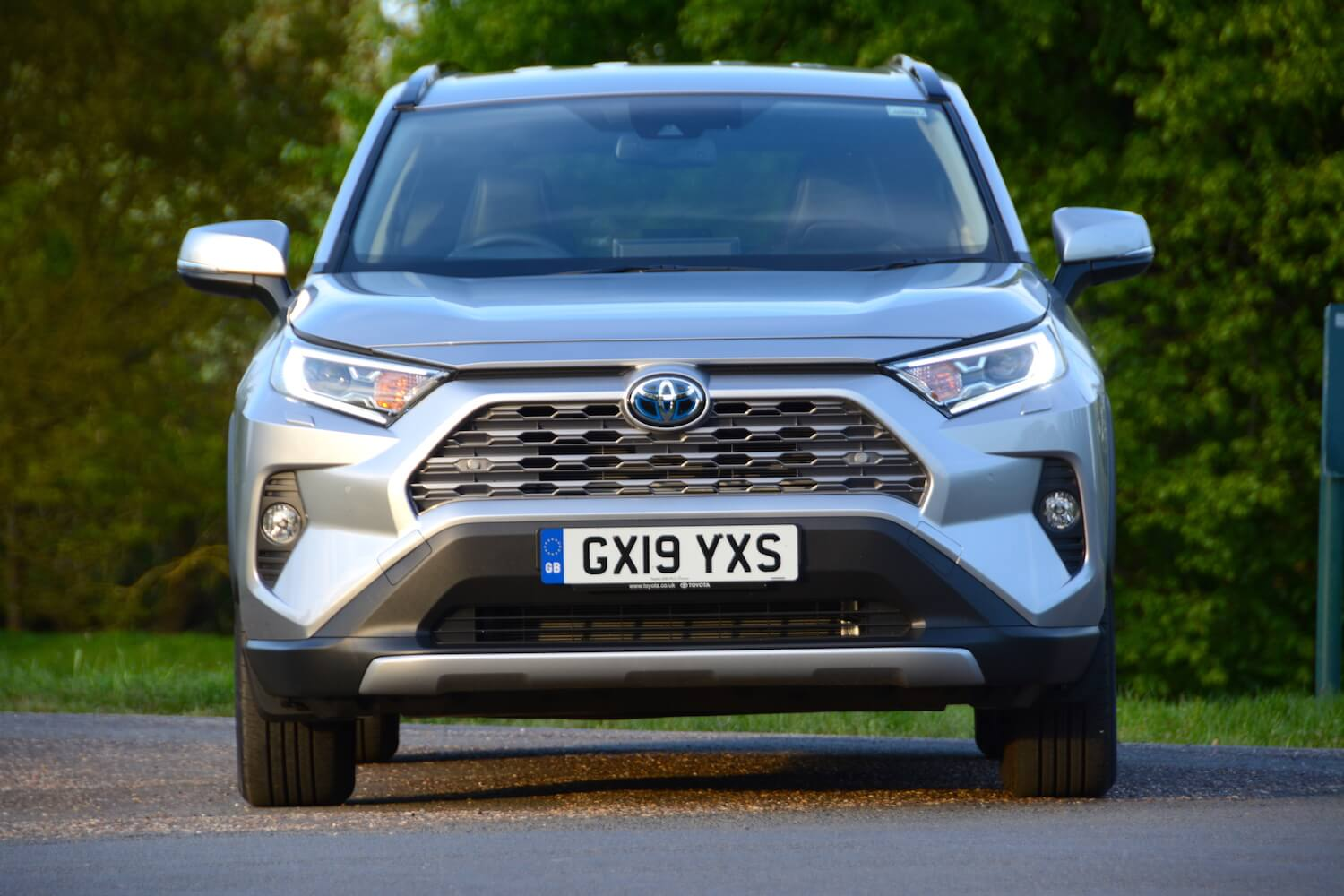 toyota rav4 excel 2 5 hybrid 2wd review greencarguide co uk toyota rav4 excel 2 5 hybrid 2wd review