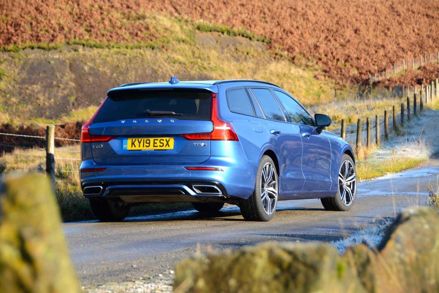 Volvo V60 T8 Twin Engine Awd R Design Plus Review Greencarguide Co Uk