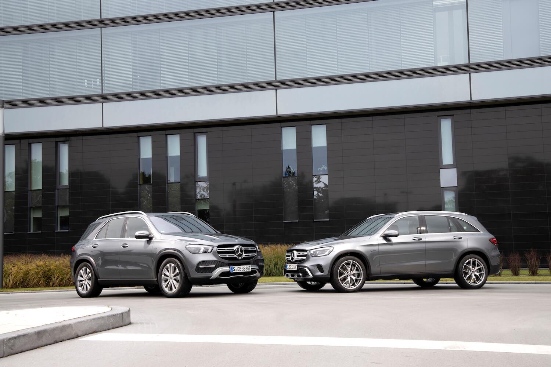 Mercedes-Benz GLC 300 e 4MATIC & GLE 350 de plug-in hybrids low res