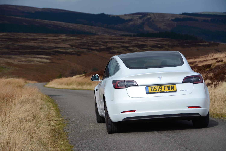 Tesla Model 3 Long Range Review Greencarguide Co Uk