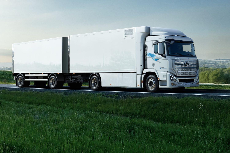Hyundai XCIENT Fuel Cell Heavy-Duty Truck