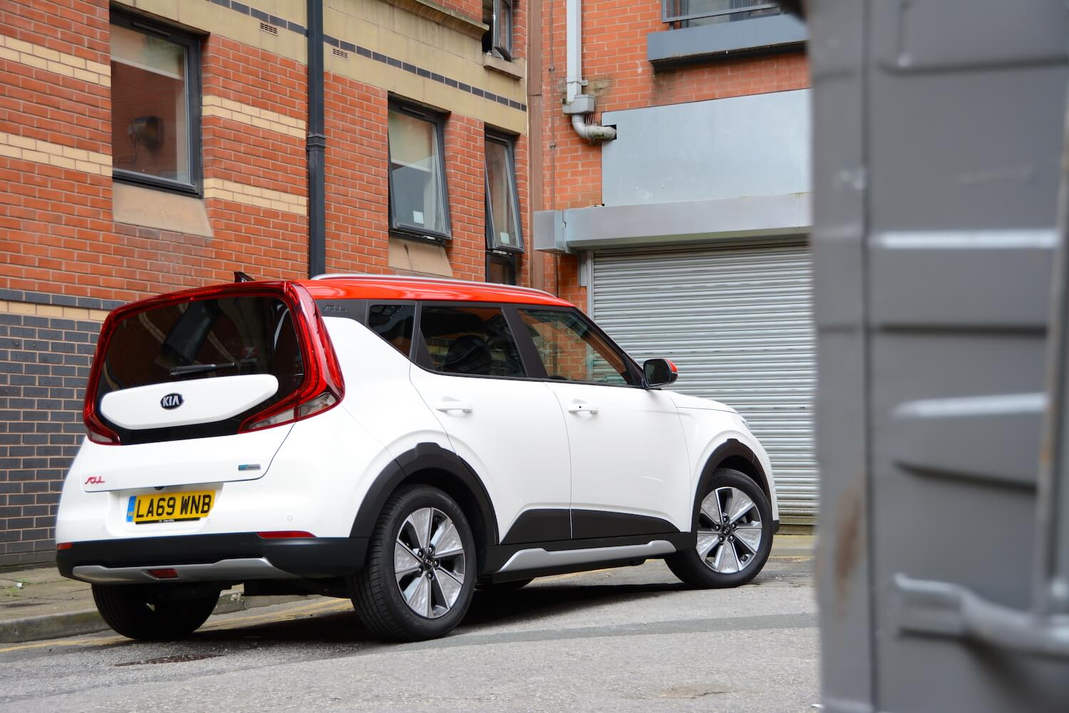 kia soul ev 2020 - living with review - greencarguide.co.uk