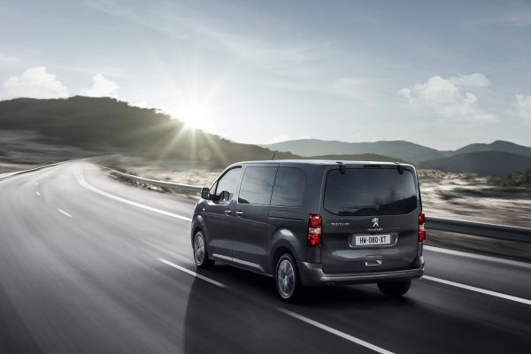 Peugeot e-Traveller Active 50 kWh