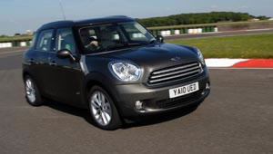The MINI Countryman Cooper D ALL4 is the first ever car to get a Green-Car-Guide rating of 10/10