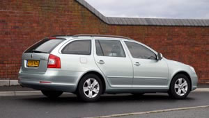 Side view of the Octavia Greenline Estate