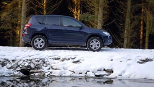 Toyota RAV4 XT-R 2.2 D4D snow road test