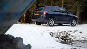 Toyota RAV4 XT-R 2.2 D4D off-road driving test
