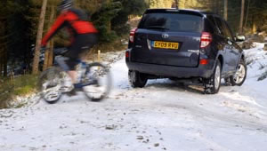 Toyota RAV4 XT-R 2.2 D4D cope extremely well with snow