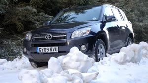 Toyota RAV4 XT-R 2.2 D4D in heavy snow