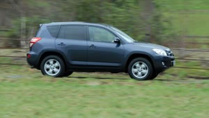 Toyota RAV4 XT-R 2.2 D4D review and Fuel Economy data