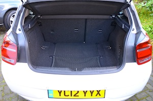 BMW 116d EfficientDynamics boot - luggage space