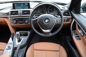 BMW 330d Touring dashboard