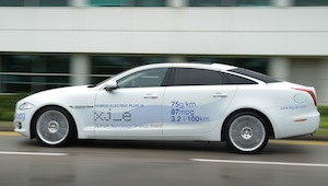 jaguar-xj-hybrid-electric-plug-in.jpg