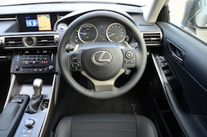 lexus-is300h-008.jpg