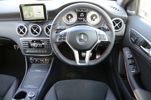 Mercedes-Benz A 200 BlueEFFICIENCY AMG dashboard