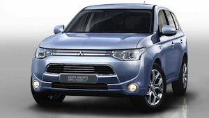 mitsubishi-outlander at Paris Motor Show 2012