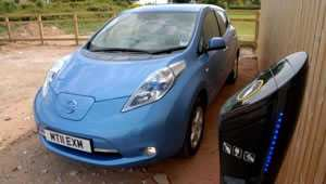 nissan-leaf-charge-point-f.jpg