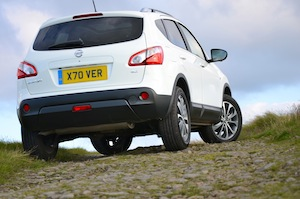 Nissan Qashqai test drive on and off-road