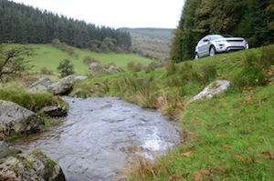 Our road test Range Rover Evoque on the Wayfarers Way in North Wales