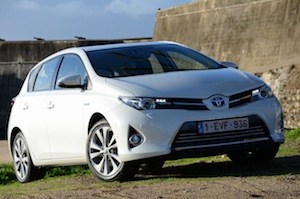 Toyota Auris Hybrid car facts and figures