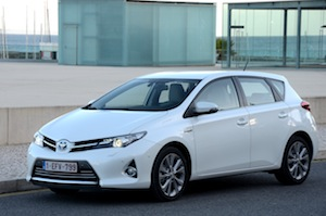 The Auris hybrid model emits just 87g/km CO2