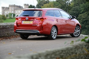 toyota-auris-touring-sports-007.jpg