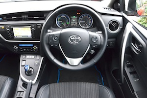 toyota-auris-touring-sports-008.jpg